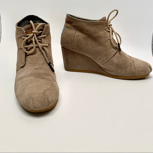 Toms Shoes - Toms desert wedge booties size 8.5 tan laceups